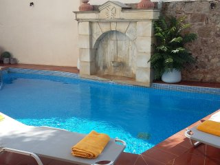 IDILI-Private flat in a getaway oasis with pool - Atsipópoulon vacation rentals