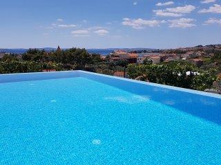 Seventh Heaven Villa - Split vacation rentals