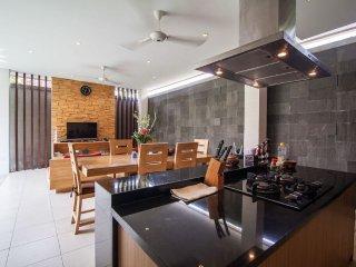 2 Bedroom stylish villa in the heart of seminyak - Seminyak vacation rentals