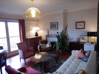 Charming Appartment Center of City 19th century - Aix-en-Provence vacation rentals