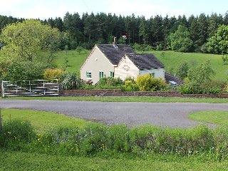 Comfortable Cottage with Internet Access and Television - Newnham-on-Severn vacation rentals