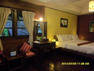 Perfect Bungalow with Internet Access and A/C - Mae Hong Son vacation rentals
