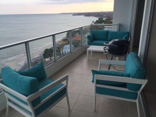 Fantastic 2 Bedroom Oceanfront-Coronado Bay - Coronado vacation rentals
