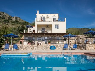 Sea-lake view 5-bedroom villa Seharo Georgioupolis - Georgioupolis vacation rentals