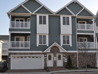 Comfortable Condo with Internet Access and A/C - Wildwood vacation rentals
