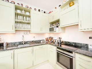 Superior one bed apartment in a stunning period building and just minutes to Earls Court - London vacation rentals