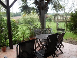 2 bed Annexe with Terrace Parking wifi Breakfast. - Saint-Mars-d'Outille vacation rentals