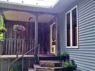 Bright 3 bedroom Kincardine House with Internet Access - Kincardine vacation rentals