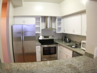 Comfy and Tastefully Furnished Emeryville Apartment - 1 Bedroom, 1.5 Bathroom - Emeryville vacation rentals