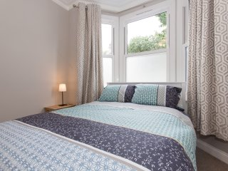 Fantastic 2 bed flat in Fulham - London vacation rentals