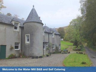 Beautiful Resort with Satellite Or Cable TV and Parking - Glendaruel vacation rentals