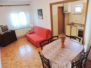 Beautiful 2 bedroom Zadar Apartment with Internet Access - Zadar vacation rentals