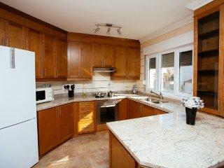 New 2 Bedroom Apartment Dugi Rat - Dugi Rat vacation rentals