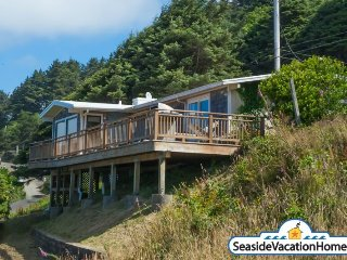 1956 S Hemlock - Ocean View - 200 ft To Beach - Cannon Beach vacation rentals