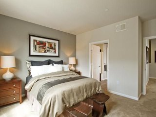 2 bedroom Apartment with Internet Access in San Bruno - San Bruno vacation rentals