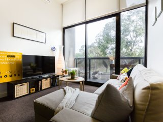 George, North Melbourne 1BDR - Melbourne vacation rentals