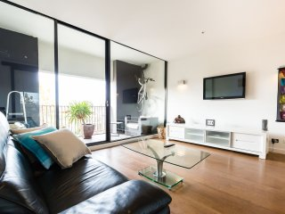 Beautiful 1 bedroom Condo in St Kilda - St Kilda vacation rentals