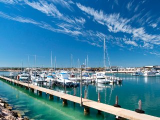 2 bedroom Condo with Television in Geraldton - Geraldton vacation rentals