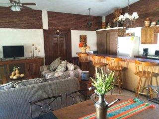Charming retreat perfect for a great getaway. - Cuatro Cienegas vacation rentals