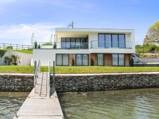 ANCARVA, water's edge, WiFi, watersports, contemporary design in Millbrook, Ref - Torpoint vacation rentals
