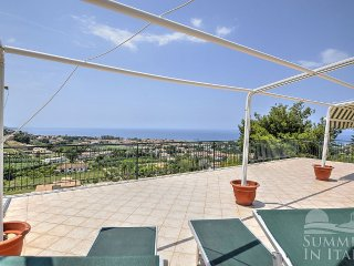 Cozy House with Deck and Garden - Santa Maria di Castellabate vacation rentals