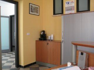 """Alloggiare al Kaos da Pirandello: appartamento """"Camilleri """" - Porto Empedocle vacation rentals"""