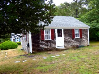 2 bedroom House with A/C in Chatham - Chatham vacation rentals