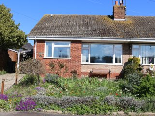 Poppies, Weybourne. Quiet and relaxing. - Weybourne vacation rentals