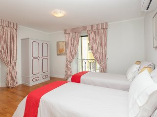 Lisbon Inn 8 is in center of Lisbon - Lisbon vacation rentals