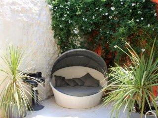 Superbe Maison avec cour privée - Arles vacation rentals