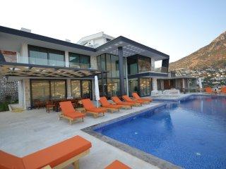 5 Bedrooms Villa Unlimited Kalkan - Kalkan vacation rentals