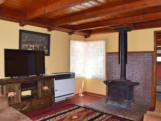 Cozy 2 bedroom Cabin in Big Bear Lake - Big Bear Lake vacation rentals