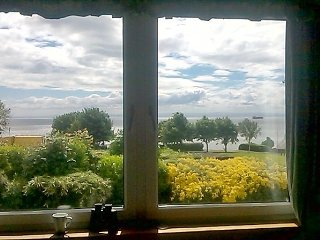 SEASIDE FLAT summer/winter-the lounge view changes - Dysart vacation rentals