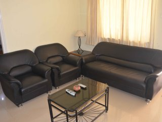 Goa Rentals 1Bhk Groud Flr Pool Facing AC Apartment Calangute - Calangute vacation rentals