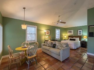 Seagull Suite - Downtown Room w/ 3 Hot Tubs On Site. Steps to Duval St! - Key West vacation rentals