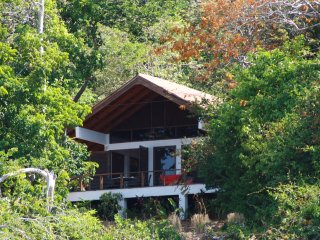 Isla Boca Brava, Casa Leon, living in a little wilderness, Boca Chica, beach - Isla Boca Brava vacation rentals