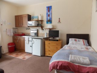 Holly- Lets -Self Catering Apart' 6 - Paignton vacation rentals