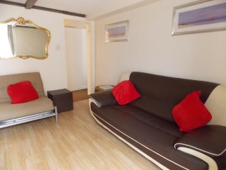 Holly - Lets Self Catering Holiday Apart' 8 - Paignton vacation rentals