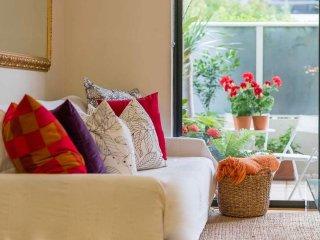 Sunny apartment on Sydney foreshore - Sydney vacation rentals