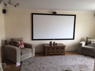 4 Bed house, cinema room, jacuzui bath - Merthyr Tydfil vacation rentals