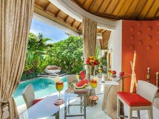 Funky and colorful villa Sun. Walk to the beach. - Seminyak vacation rentals
