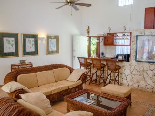 Nice Townhouse with Internet Access and Shared Outdoor Pool - Cabarete vacation rentals