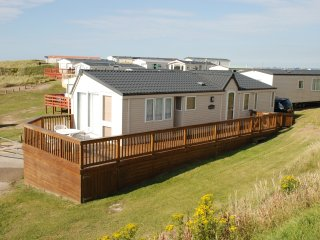 Nice Caravan/mobile home with Shared Outdoor Pool and Shared Indoor Pool - Perranporth vacation rentals
