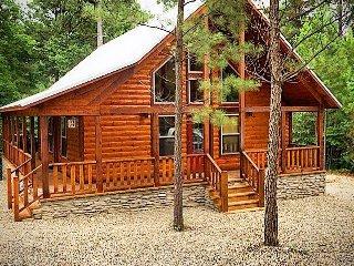 Romantic 1 bedroom Broken Bow Cabin with Housekeeping Included - Broken Bow vacation rentals
