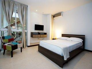 Cuarto moderno B&B  beautiful home - Cali vacation rentals
