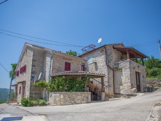 Guesthouse Jane&Romy, includes 2 appartments - Motovun vacation rentals