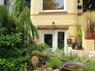 One Bedroom Apartment in Beautiful DC Rowhouse - Washington DC vacation rentals
