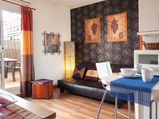 APARTMENT GIRASOL TERRACED CENTRIC PENTHOUSE - Barcelona vacation rentals