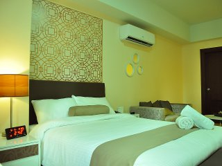 Stylish  City Life+Cozy+Spacious Stay,Makati CBD - Makati vacation rentals
