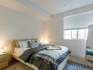 Luxury Private Bed+Bath in the Heart of SD - Pacific Beach vacation rentals